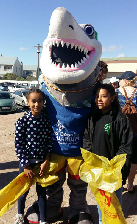 Green -Anglicans _Milnerton -beach -International -Coastal -Clean -up -Day -2017-02