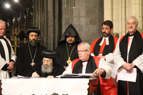 Dublin -Lynn -Glanville _AOOIC-Bp -Gregory -Cameron -Metropolitan -Bishoy -sign -Dublin -Agreement -171026