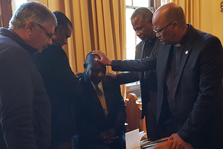 ACSA_Abp -Thabo -Makgoba -Prays -for -Deputy -President -Cyril -Ramaphosa -June -2017-460