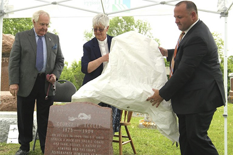 Ang Journ _Art -Babych _George -Eccles -headstone -unveiled -St -Pauls -Church -Almonte -Ontario -with -Reg -Gamble -and -Canon -Pat -Martin -and -John -Bowes _460x 307