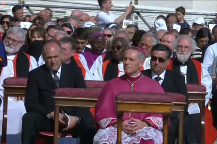 Scrn Grb -CTV_Bp -Rowan -Williams -Anglican -delegation -Vatican -canonisation -Oscar -Romero -181014_700x 467