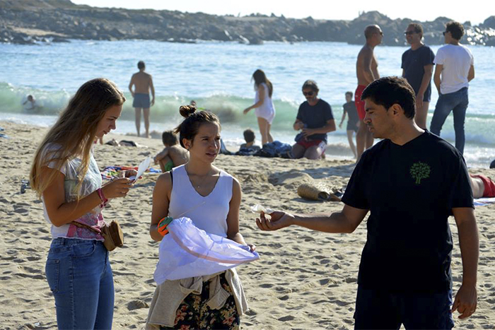Green -Anglicans -Portugual -beach -clean -01_700x 467