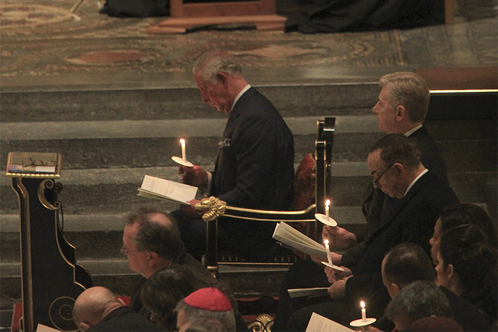 https://www.anglicannews.org/media/1816595/wabbey-andrew-dunsmore_prince-of-wales-candle-service-middle-east-181204_700x467.jpg